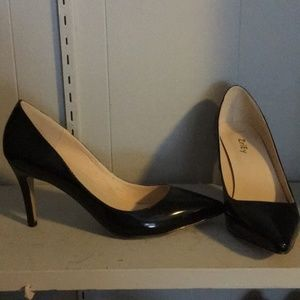 Shoes - Pointed Toe Black Patent Heels